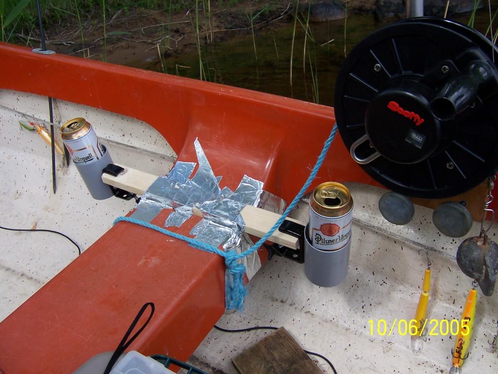 BOLMEN-TROLLING 2005 Smaland Ferienhaus in Tannåker Trollingboote Mietboot Leihboot Downrigger befestigen Bierdosenhalterung