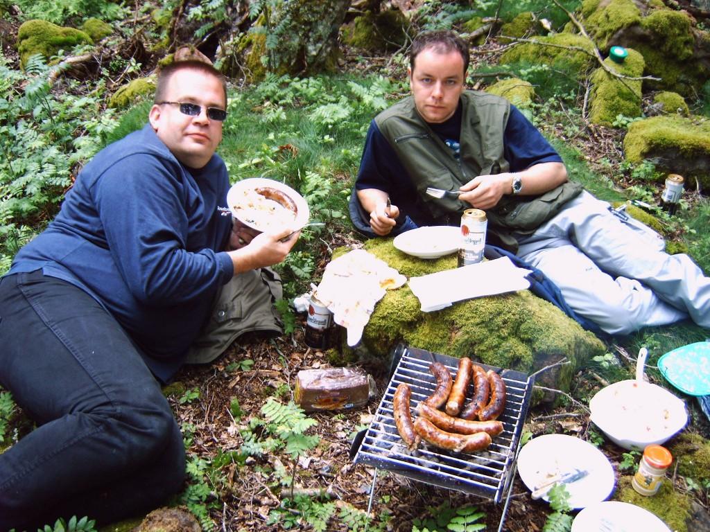 BOLMEN-TROLLING 2005 Smaland Insel-Picknick Grillen Bratwurst Bier
