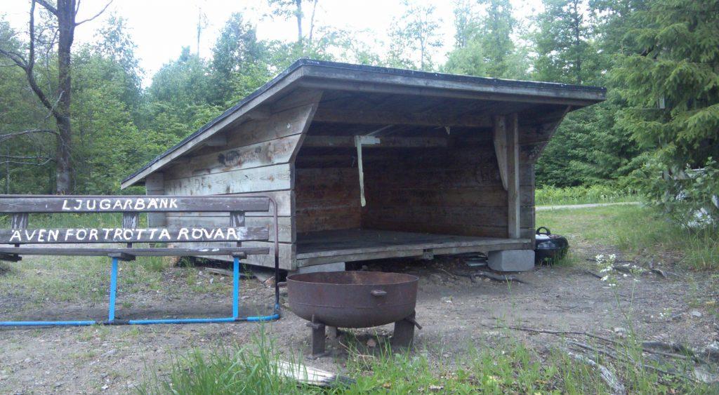 Åsnen Kanu Paddeltour Wasserwandern Rastplatz Schlafhütte