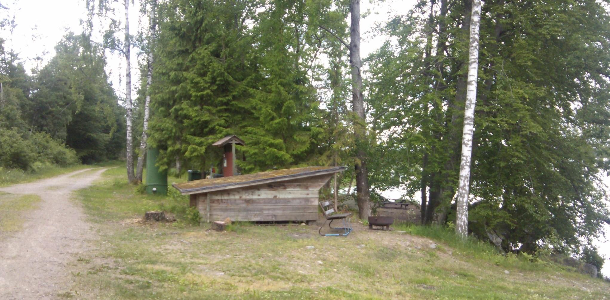 Åsnen - Wasserwander- Rastplatz mit Schlafhütte