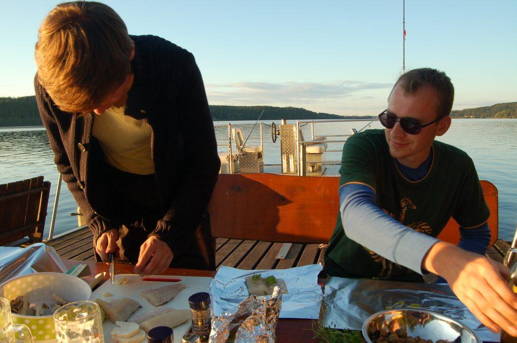 ÖRESJÖN-TROLLING 2014/2015 Diner am Steg Hecht in Safransosse