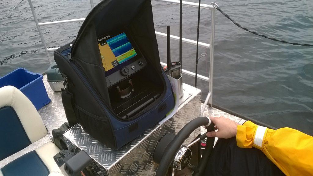 ÖRESJÖN-TROLLING 2014/2015 Echolot GPS Raymarine Dragonfly 7